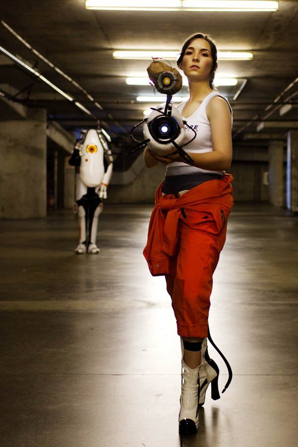 Chell And Turret Cosplay Portal 2 Interest Cosplay