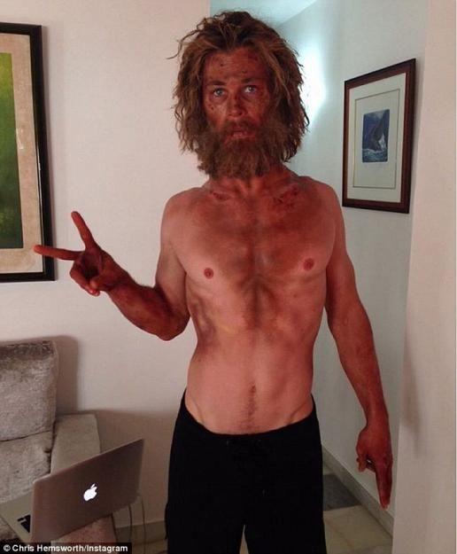 """Für seine neue Filmrolle in """"Im Herzen der See"""" geht Chris Hemsworth bis an seine (körperlichen) Grenzen."""