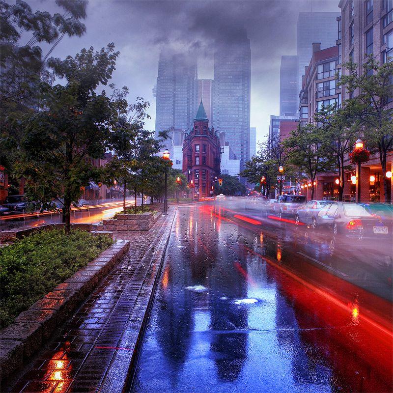 I love this city!    Toronto, Canada.