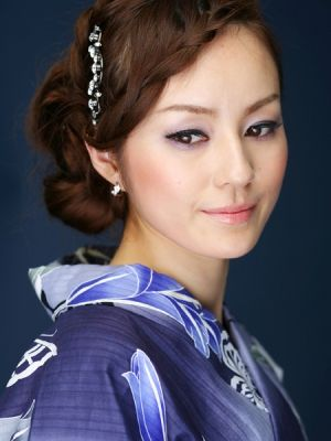 Beautiful Yukata Make Up Make Up Hair In 2019 Asian Makeup