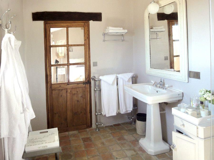 Portes anciennes dans une chambre nos r alisations portes antiques dream bathroom ideas - Porte placard salle de bain ...