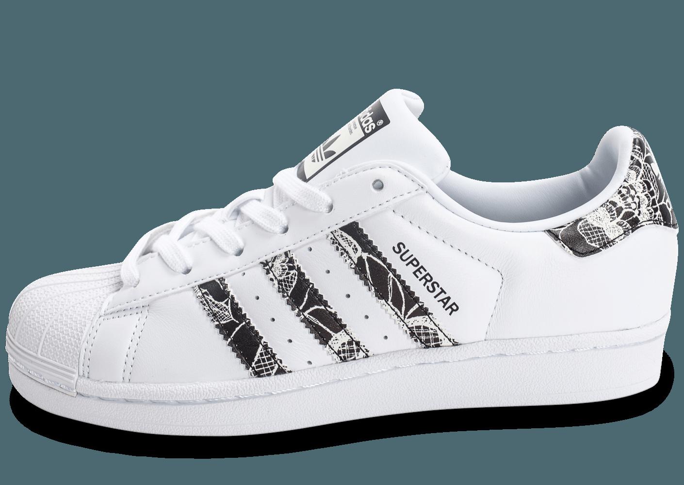 Retrouvez les Chaussures adidas Superstar Farm Company Print