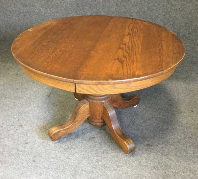 Round Oak Dining Table With Two Leaves