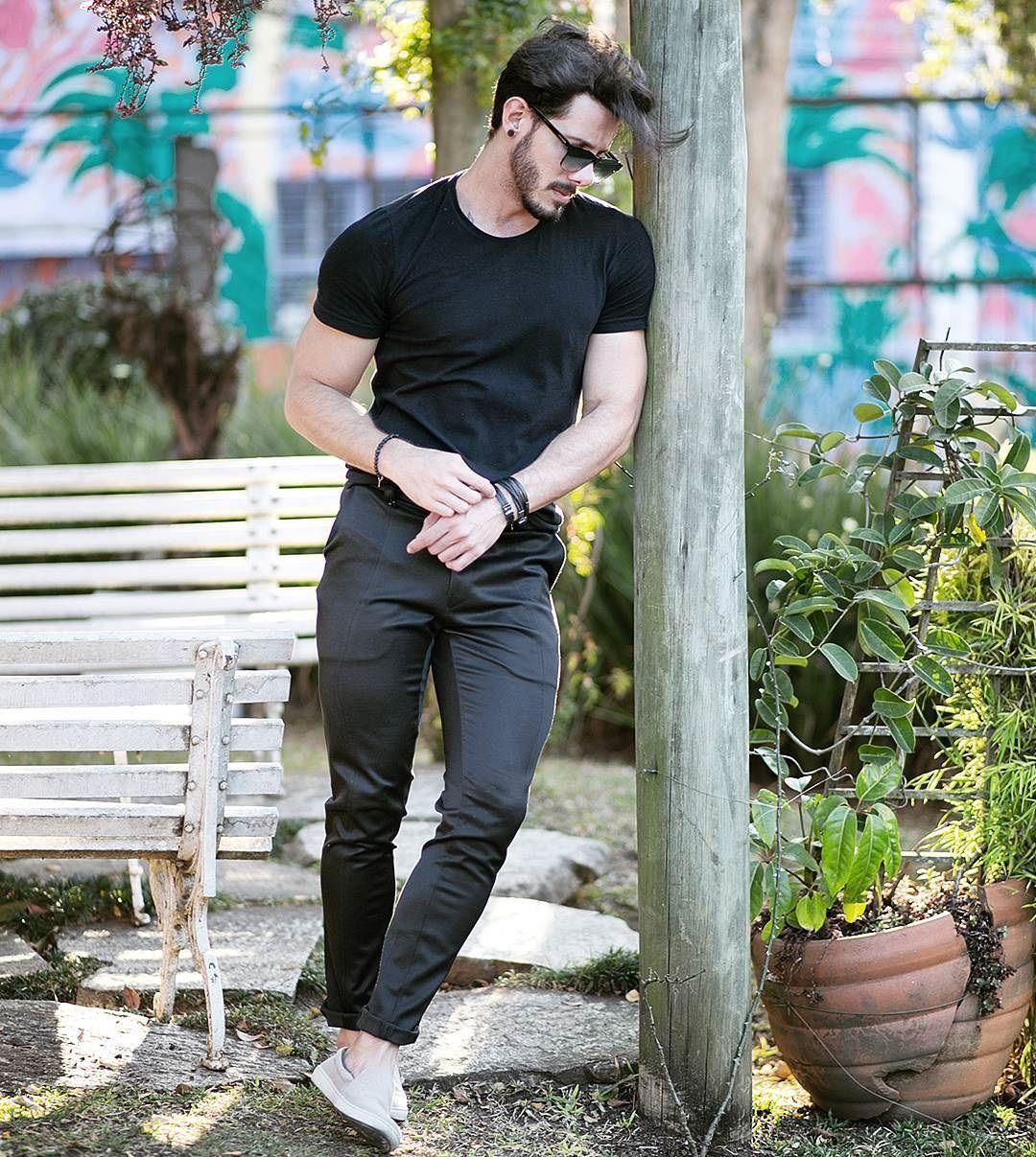 Moda Masculina Men Style Outfit Men Black Look Men Outfit Rodrigo Perek Men Fas Mens Photoshoot Poses Photography Poses For Men Fashion Photography Poses