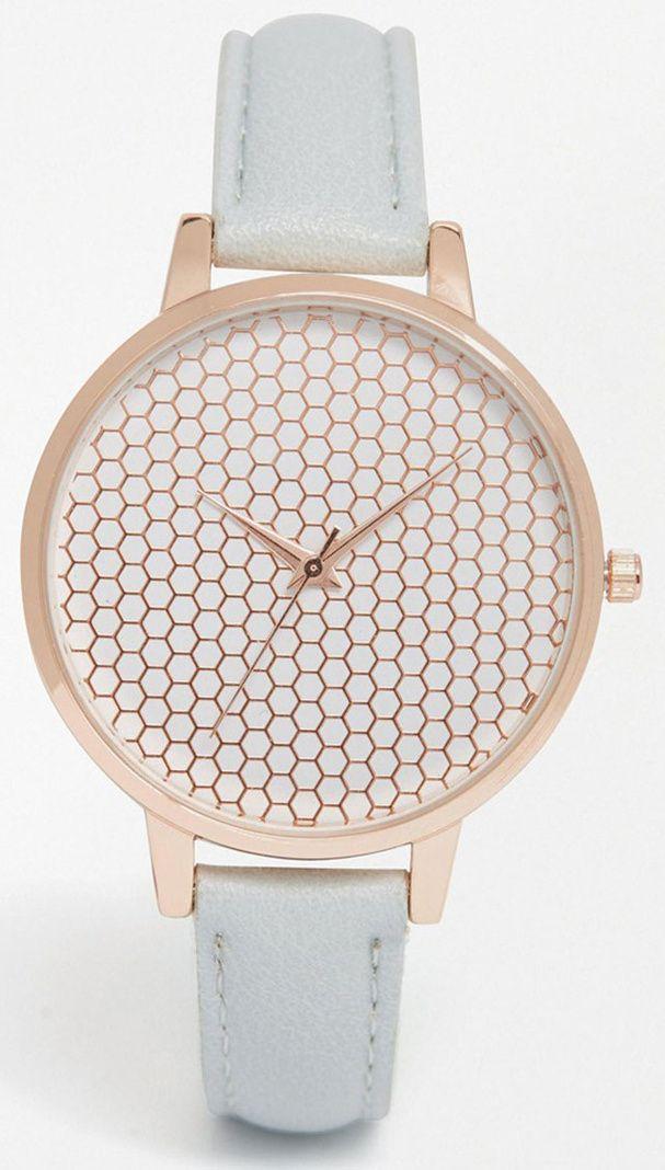 A l occasion du passage à l heure d été qui aura lieu ce dimanche 27 mars,  on en profite pour découvrir les nouveaux modèles de montres. bc3a0026c12b