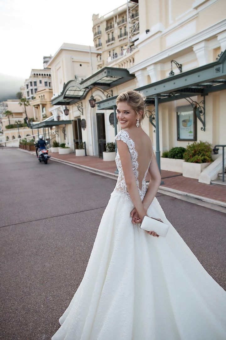 Capsleeve wedding dress with open deep v-back | fabmood.com #weddingdress #weddingdresses #bridalgown #weddinggown #weddinggowns