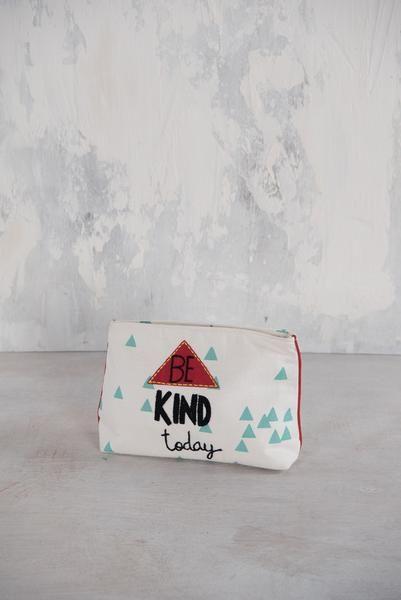 'Be Kind Today' Make Up Bag