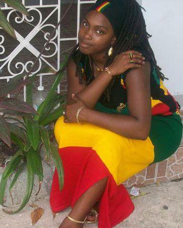 Bilder von schönen weiblichen schwarzen rasta, Nackte Mallu