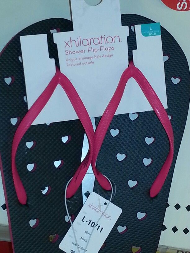 89f7f965981 Cool. Flip flops with holes so when u take a shower the water goes ...