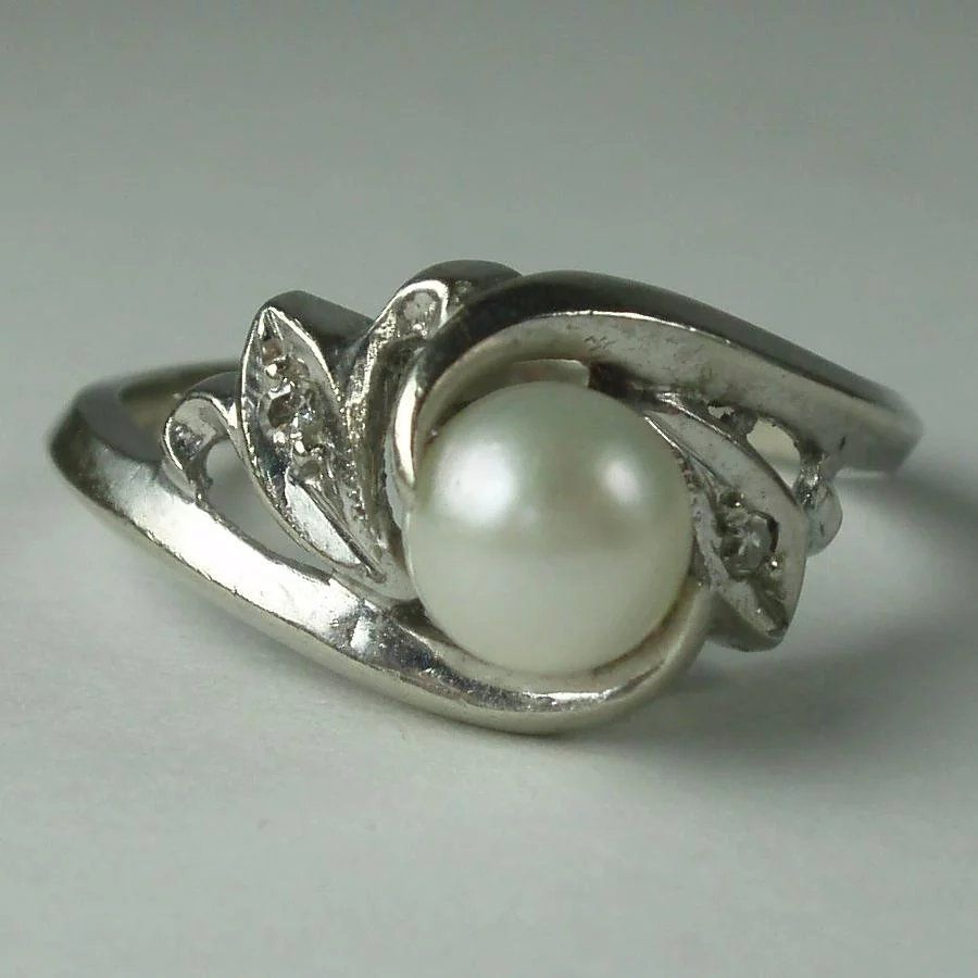 Vintage 10 Karat White Gold Cultured Pearl Genuine Diamond Ring White Gold Pearls Cultured Pearls