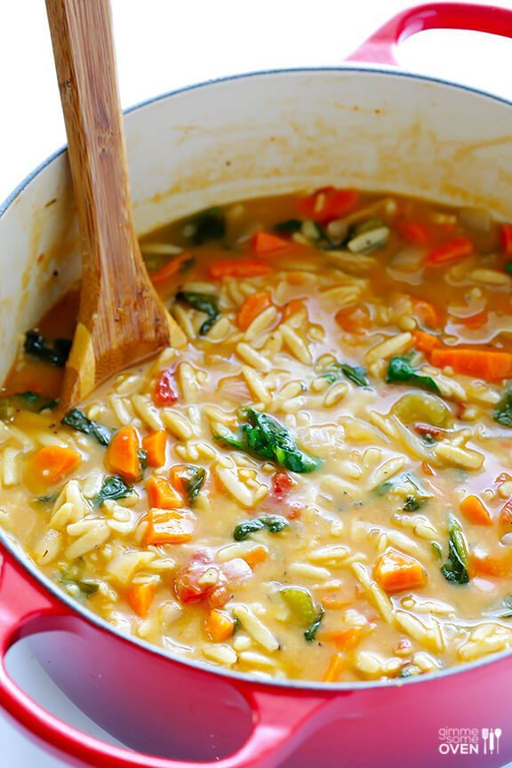 Italian Orzo Spinach Soup | Gimme Some Oven #spinachsoup