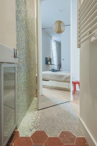 salle de bains tomettes mosaique #appiani rénovation porte sur pivot