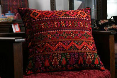 مخدات مطرزه Palestinian Embroidery Cross Stitch Embroidery Cross Stitch Projects Ideas