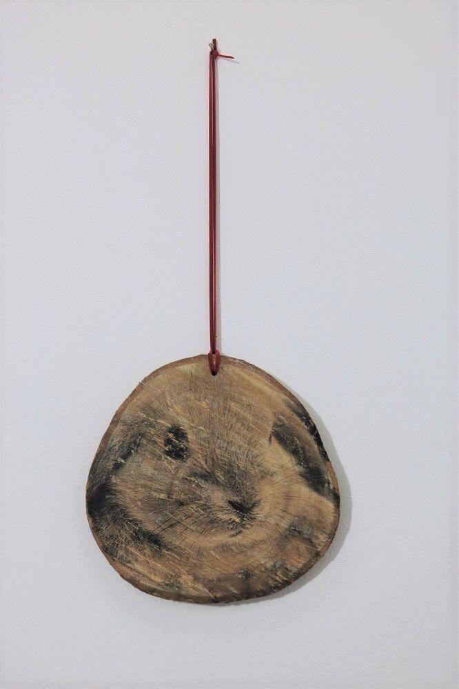 Unter dem Titel Holzosterhase habt ihr euch wahrscheinlich eher einen geschnitzten Hasen vorgestellt; aberHolzschnitzen gehört leider (noch) nicht zu meinen Handwerks-Fähigkeiten.Was abernicht ist, kann ja…
