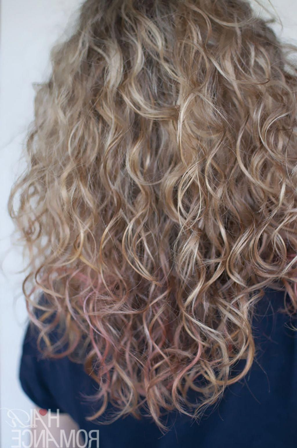 Long Layered Wavy Hair Back View Hairstyles And Haircuts With Greasy Hair Concept Curlyhairwit Permed Hairstyles Curly Hair Styles Naturally Curly Hair Styles