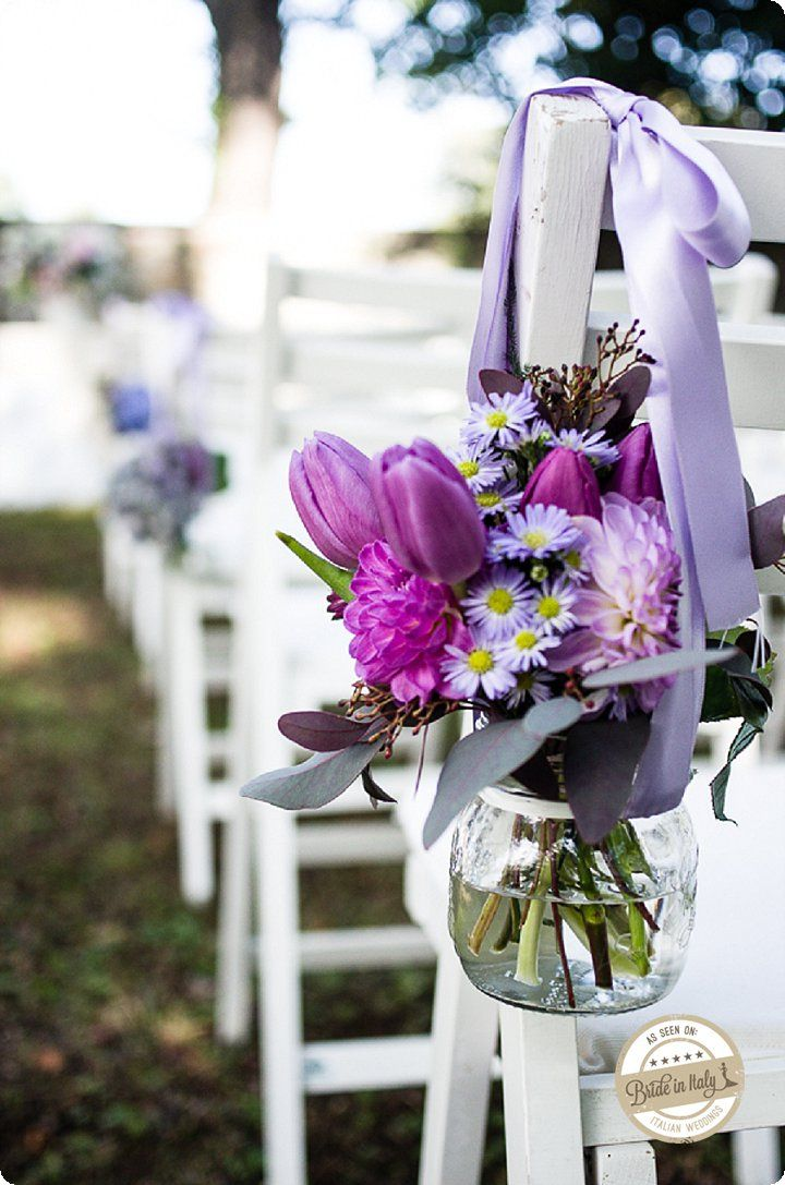 Radiant Orchid - Tulips, Dalhias and Daisies for a rustic chic decor. Ph Emanuele Capoferri http://www.brideinitaly.com/2013/12/capoferrielegante.html #italianstyle #wedding