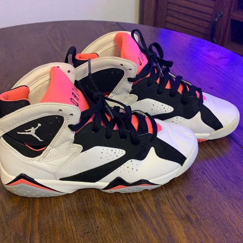 Jordan Shoes   Retro Jordans Hot Lava   Color: PinkWhite