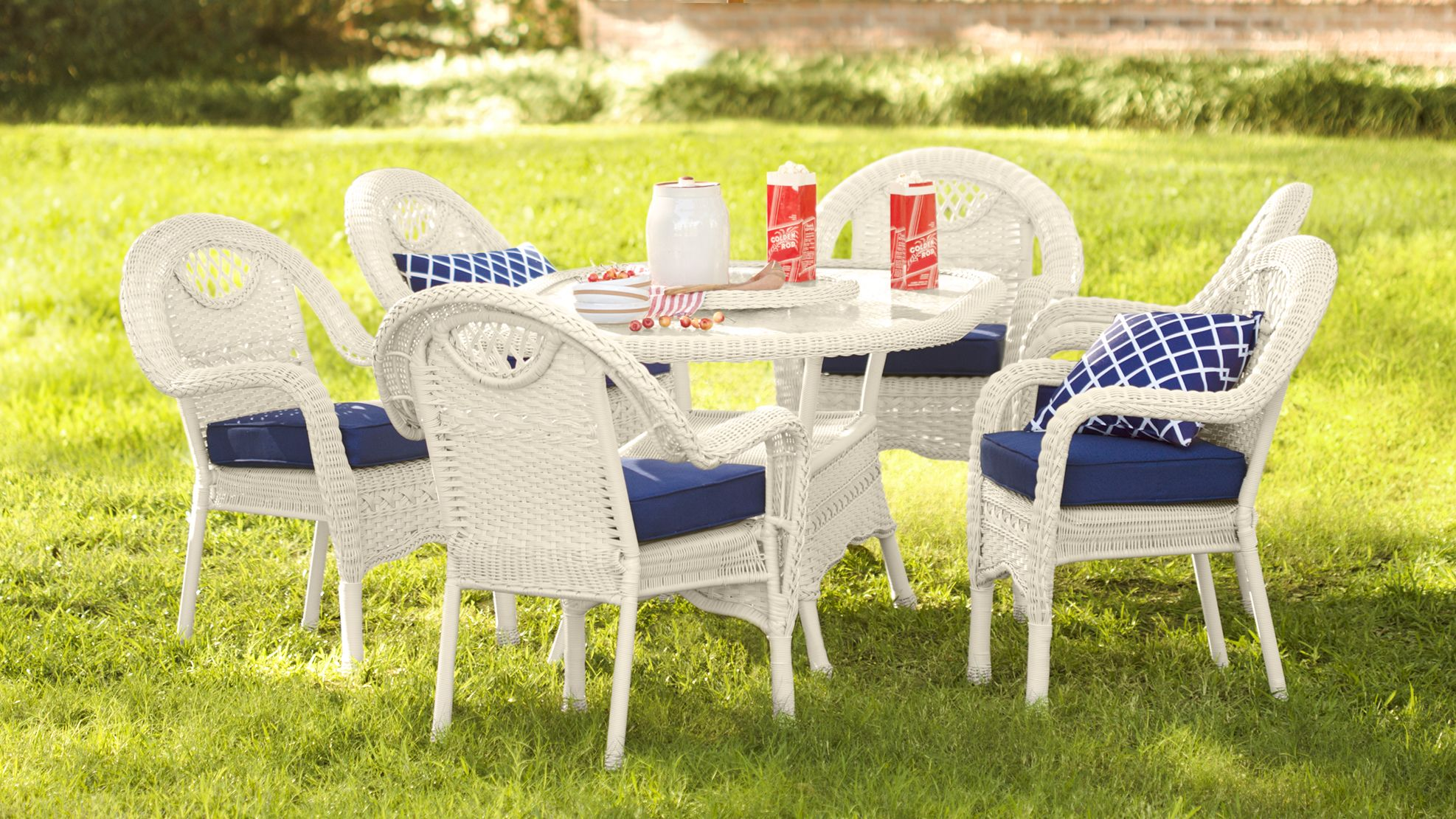 Oval Outdoor Wicker Dining Table And Six Chairs Prospect Hill Collection Accessories Wicker Dining Chairs Wicker Dining Tables Outdoor Wicker