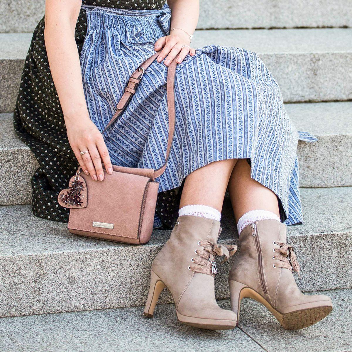 Zarte Farben und stilvolle Details unsere Tasche Milla und