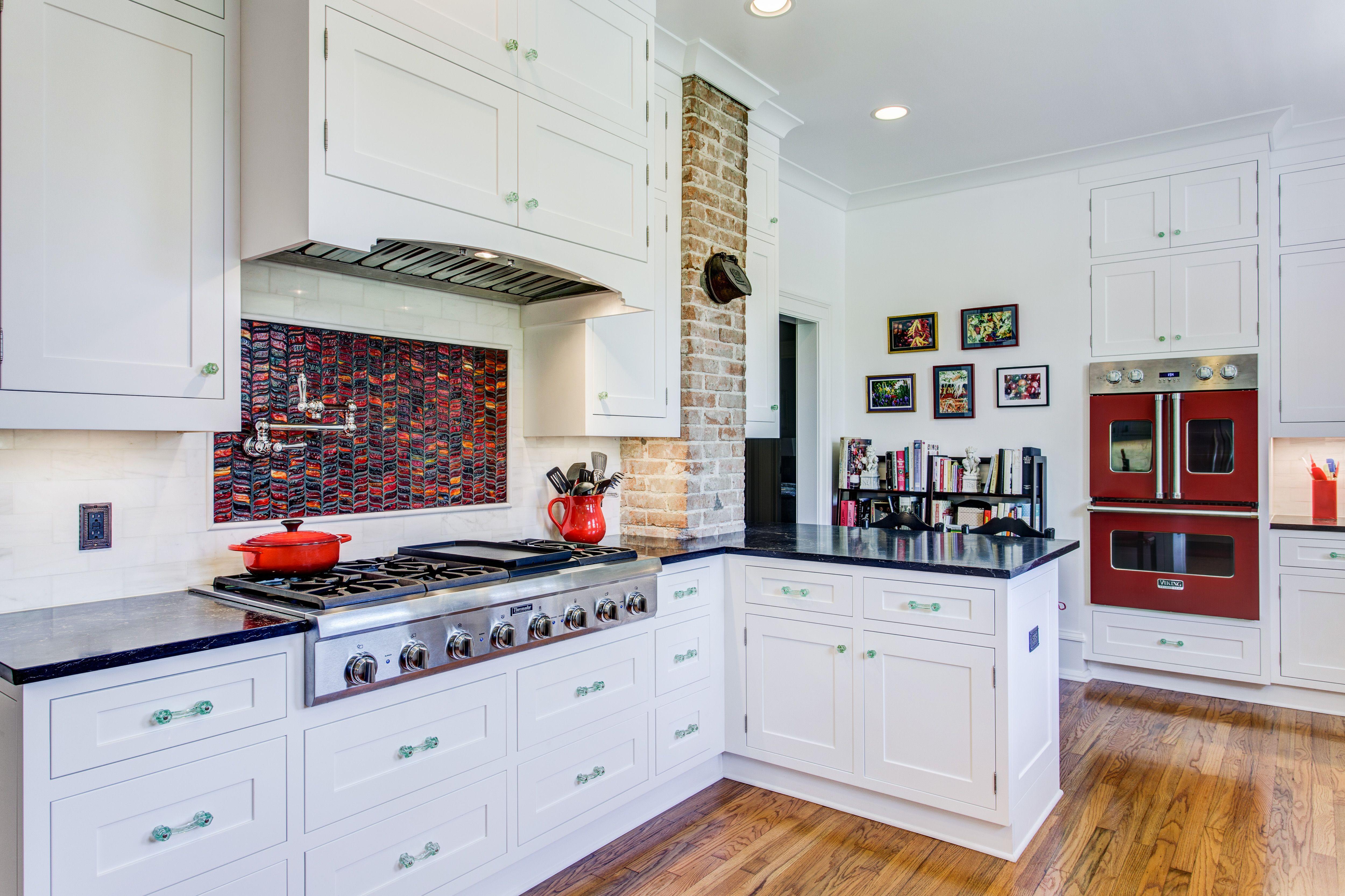 Best Elmwood Cabinetry Montana Mdf Door Caesarstone Vanilla 400 x 300
