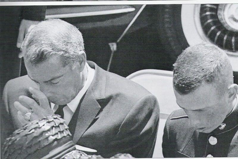 Joe DiMaggio at Marilyn's Funeral; He loved her so ...