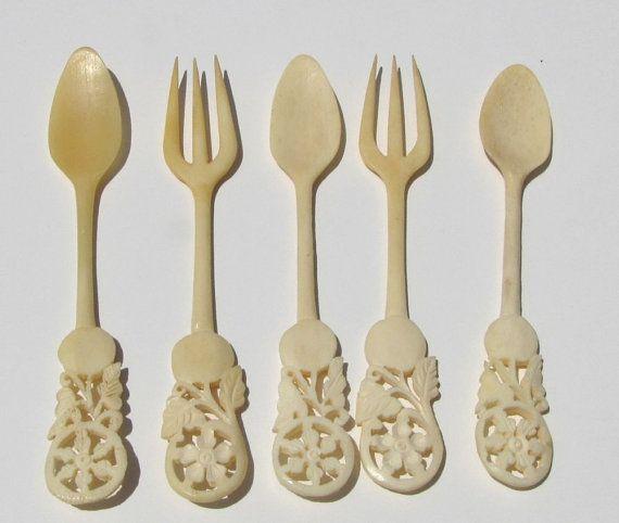 Antique Vintage Carved Bovine Bone Spoons And Forks Cocktail Forks Cocktail Spoons Hors D 39 Ooeuvres Serving Utens Carving Serving Utensils Bone Carving