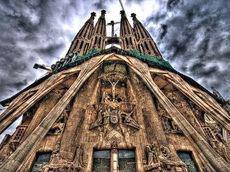 soberbia....si Gaudí levantará la cabeza.....