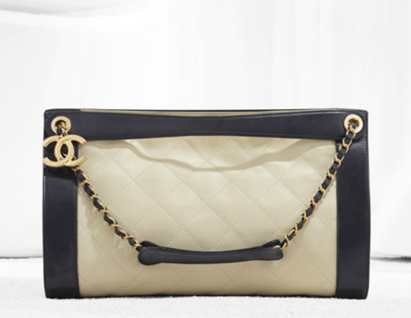Chanel hobo in supple quilted calfskin, double porte (Spring-Summer 2012)