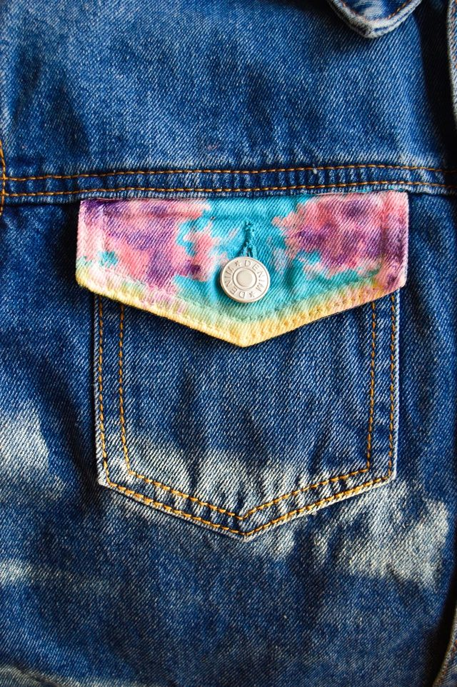Hand painted sunset design Denim Jacket  Only 2 available! Size M 🌅🌅🌅🌅🌅🌅        Fabric paints  Limited availability