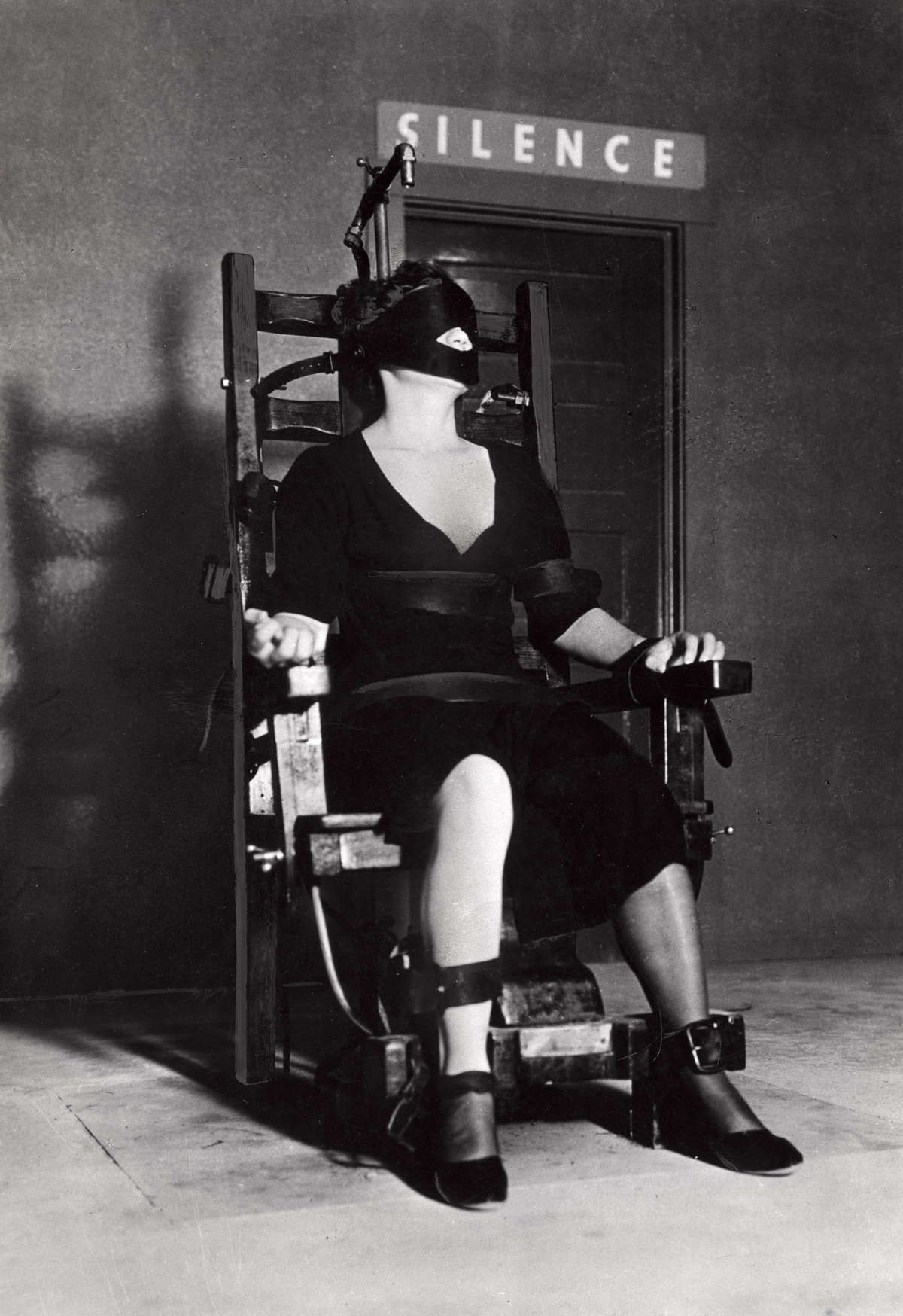 death by electric chair video rocker game image result for ruth snyder 39s mother machinal history