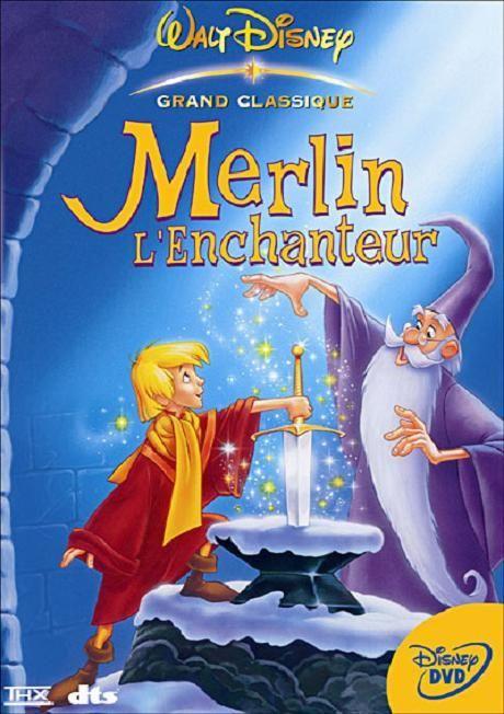 La Jeunesse Et L Education Du Futur Roi Arthur Par Le Sage Magicien Merlin Merlin L Enchanteur Disney Films Pour Enfants