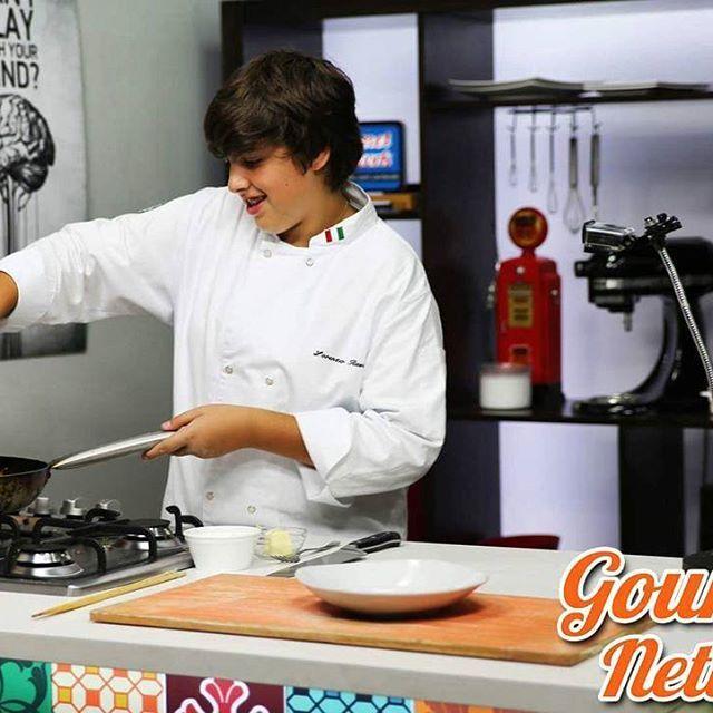 @mchef_loloravioli vencedor do MasterChef Jr. nos revelou detalhes dos bastidores do programa e mostrou como fazer um delicioso Fettucine ao Ragu de Pernil hmm, já conferiu?  (link na bio) #masterchefbr #gourmetnetwork
