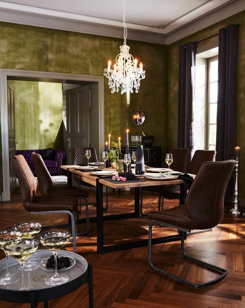 Alle zu Tisch, bitte! Mit dem massiven Esstisch von GMK Home