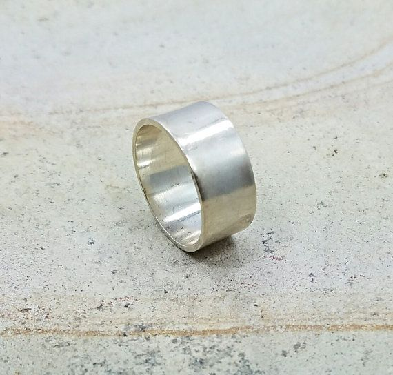 ❤︎ Sterling Silver Band Ring. Ring for Everyday Wear. Silver Band. Silver Ring. Unisex Ring. Size 8 Ring. Simple Ring. Studio BB Designs ❤︎