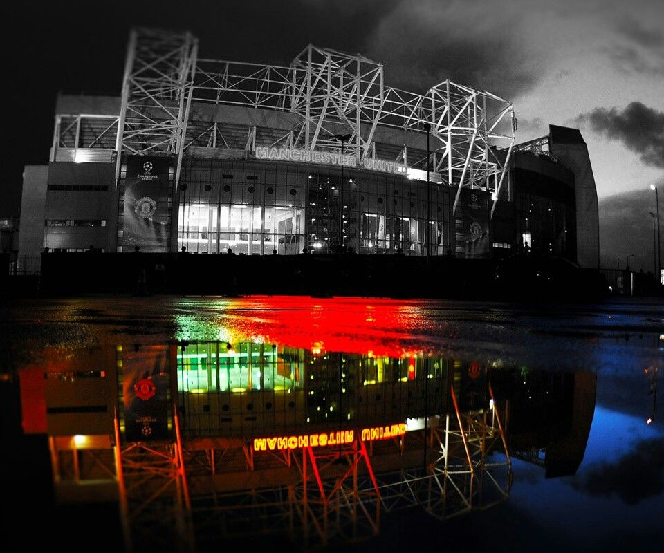 Manchester United Old Trafford Image By Soumik Roy On Cities Light River Arcitecture Manchester United Wallpaper Manchester United