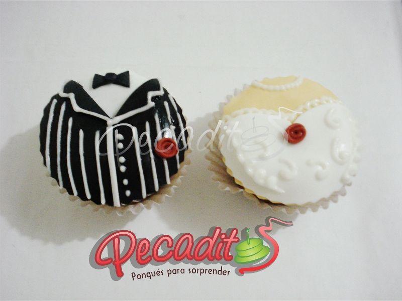 #cupcake #wedding #matrimonio #deliciosos  #PEDIDOS: gerencia@pecaditos.com.co #TELÉFONOS: 6435035 - 3008950900 – 3105672077 #Whatsapp: 3008950900 #Ponqués #Bucaramanga — at #Cabecera: Cra.35 #54-113.