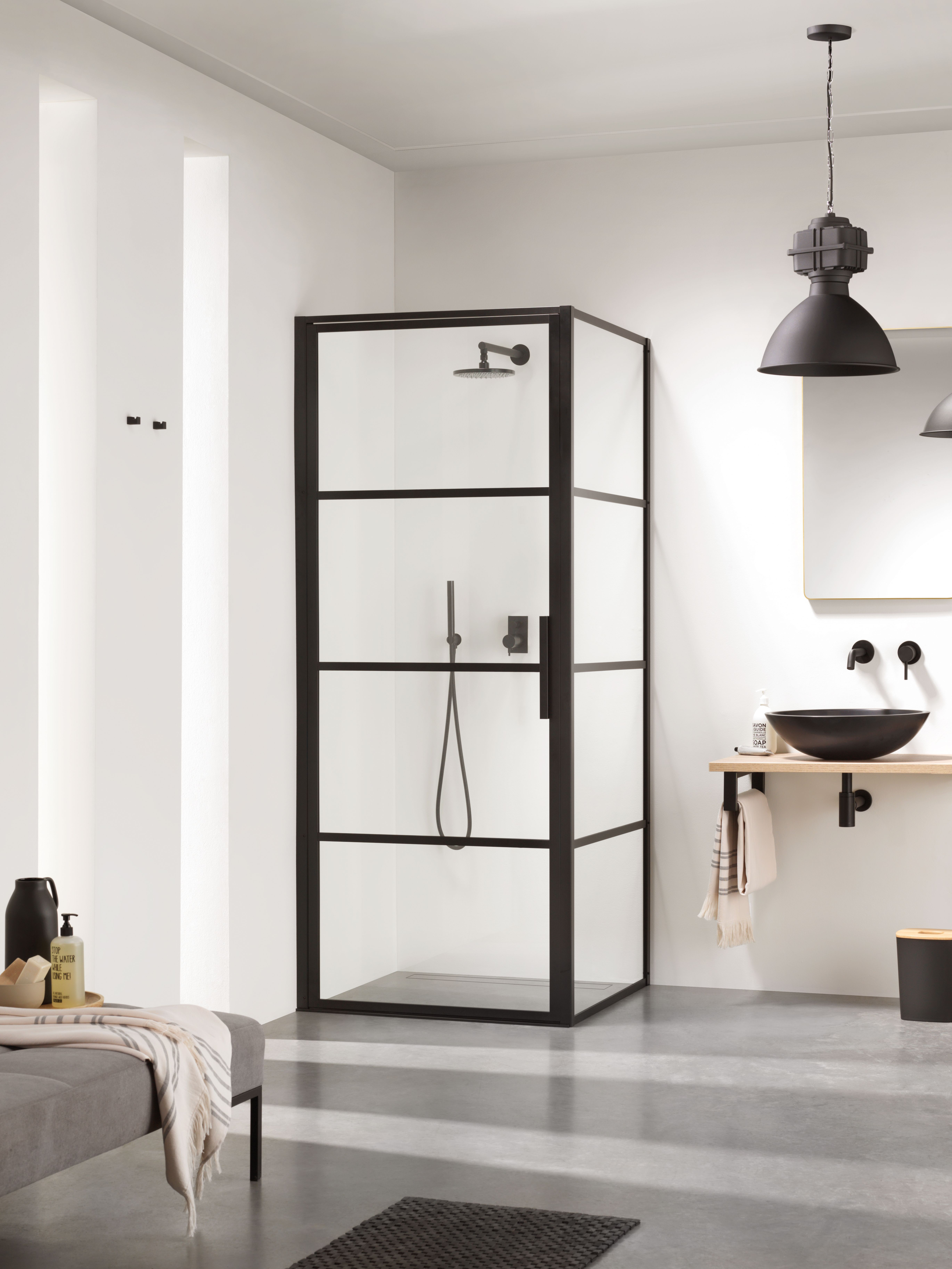 Recently The Trend For Glazed Shower Doors And Panels Featuring Slim Black Metal Frames Ex Bathroom Renovation Trends Bathroom Trends Framed Shower Enclosures