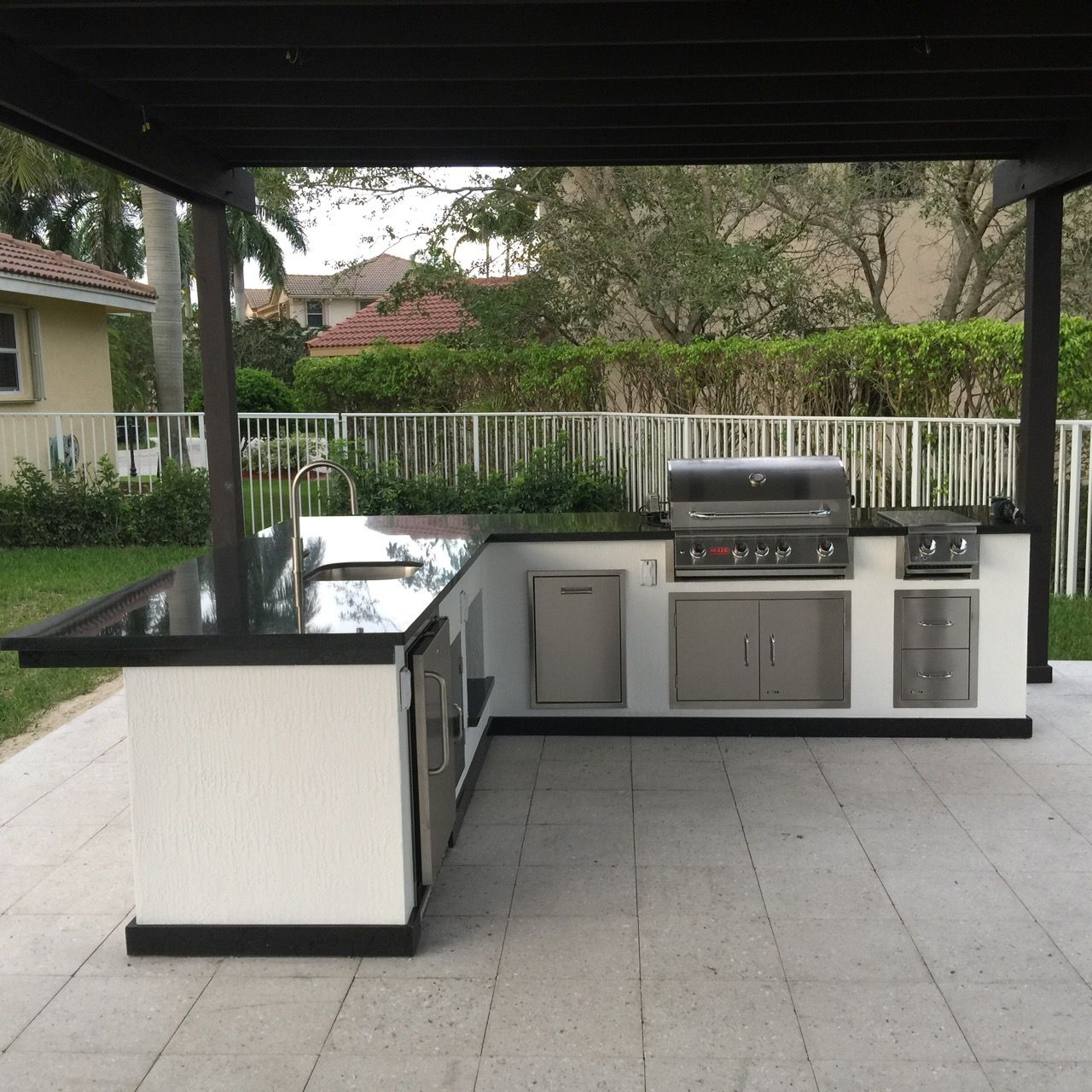 Luxapatio Is South Florida S First Choice For Outdoor Kitchens And Outdoor Kitchen Appliances Outdoor Kitchen Outdoor Kitchen Appliances Outdoor Kitchen Design