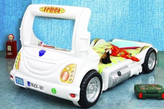 Kinderbett in der form eines wei en trucks besondere kinderbetten pinterest - Besondere kinderbetten ...