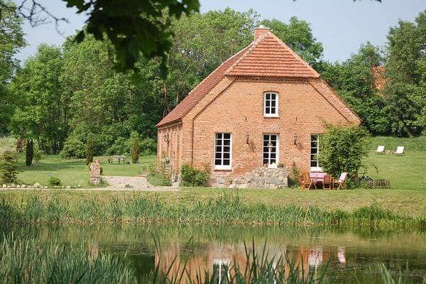 Ferienhaus Pinnow mit Bootsverleih für bis zu 10 Personen