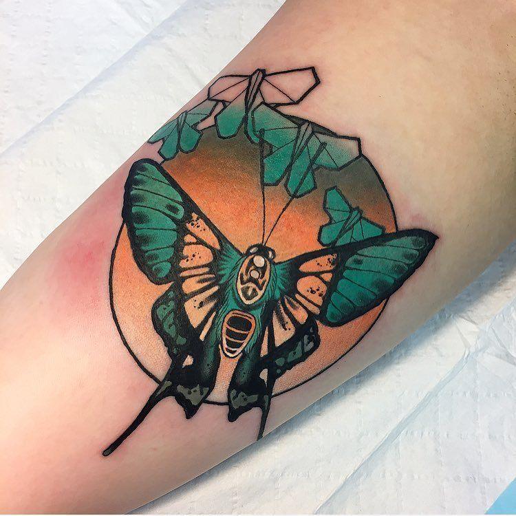 Neo Traditional Tattoo Wings Neo Tattoo Traditional Hand Tattoo Traditional Tattoo