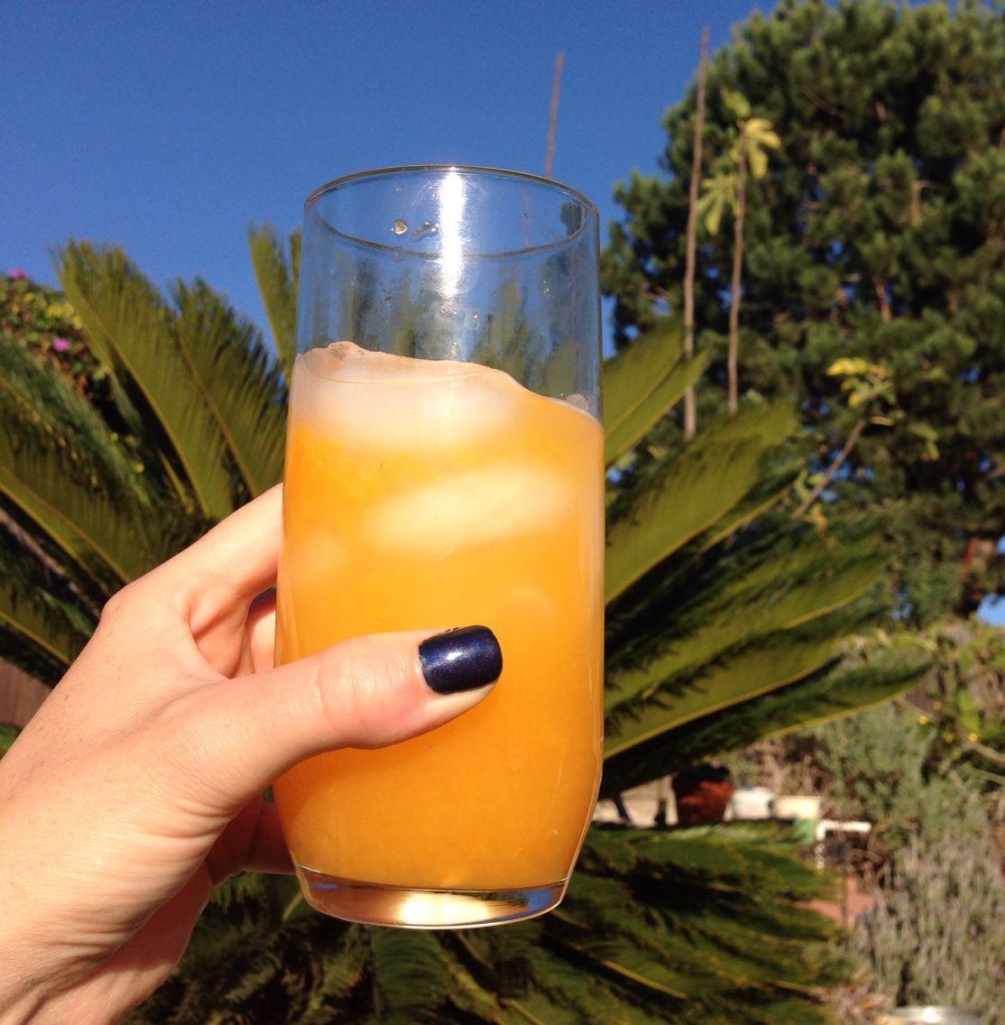 Fresh squeezed Valencia Orange juice || #COLOReats @coloreats
