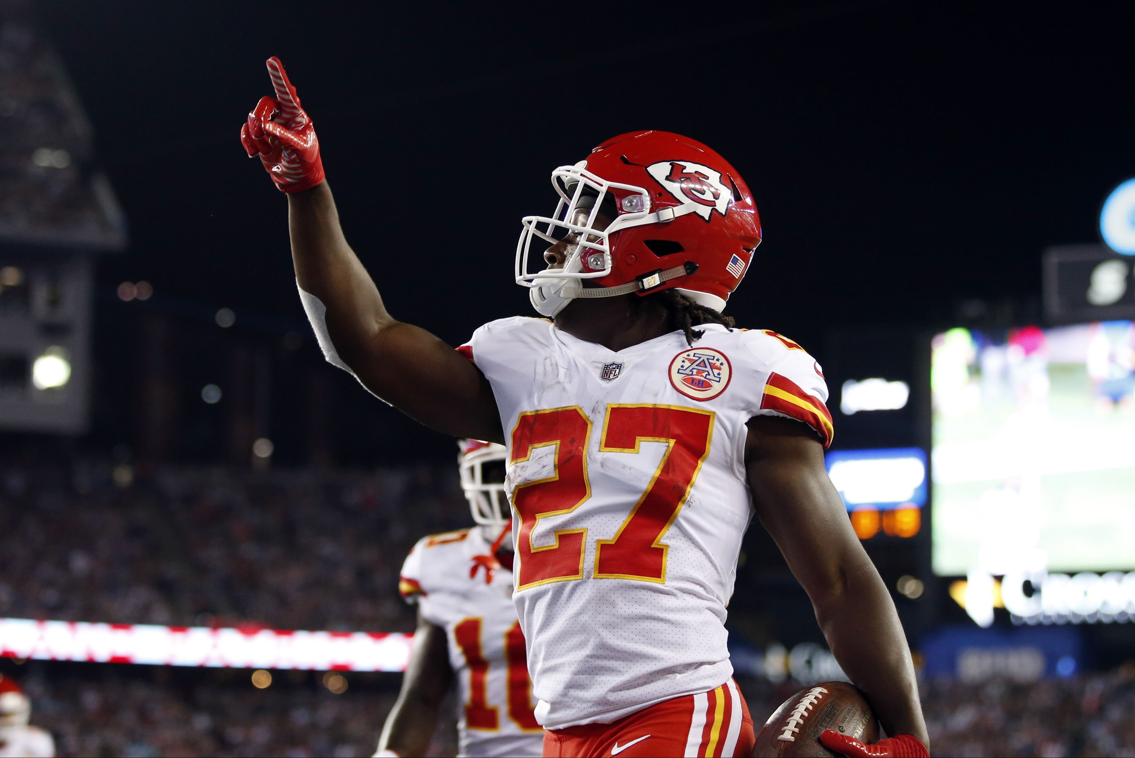 Welcome to the NFL Kareem Hunt! What a performance by the new head running  back for the Kansas City Chiefs (AP Dwyer). cd59ff80f