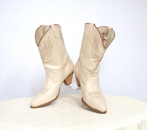 Womens Dingo Boots / Cream / Cowboy