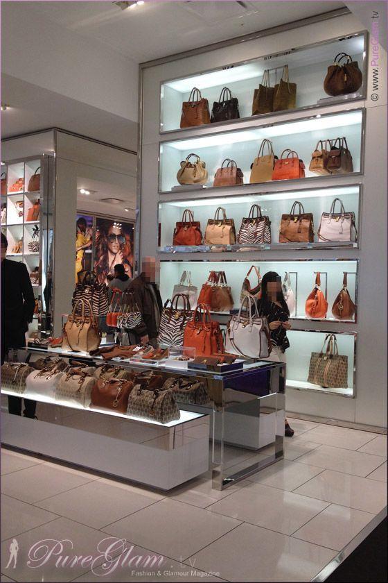 Visiting Michael Kors Store New York Handbag 08 Jpg 560 840 Pixeles Handbags Australia Leather Crossbody Bag Small Handbags Nz