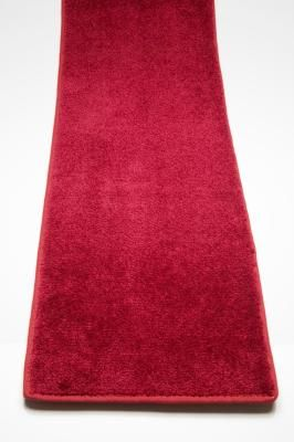 A Diy Red Carpet Aisle Runner Ehow Red Carpet Aisle Runner Diy Red Carpet Red Carpet Entrance