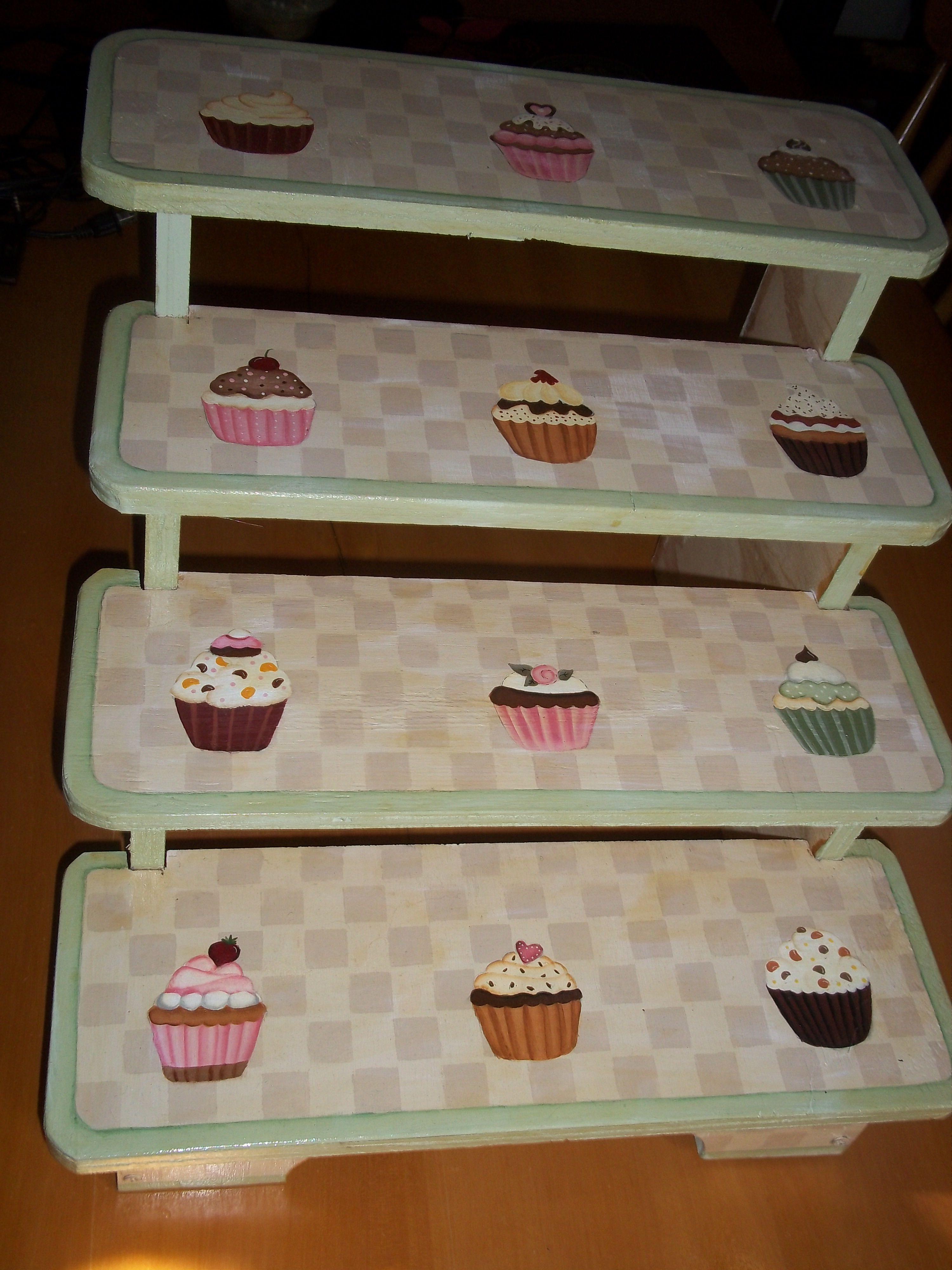 Base exhibidor de madera para cupcakes d todo un poco - Bases para cupcakes ...