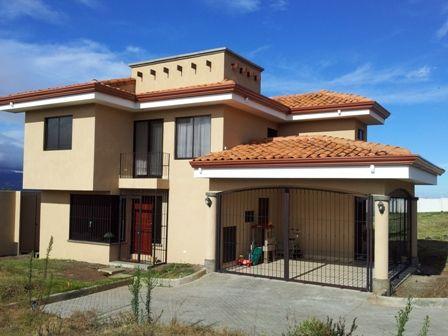 Casa en Heredia San Isidro con vista al VALLE
