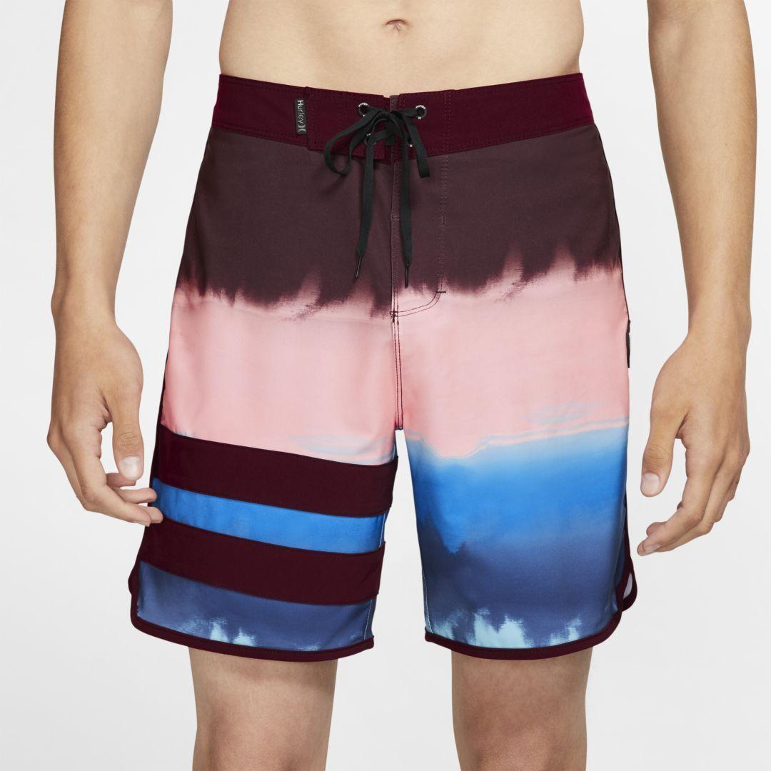 """Photo of Shorts da 18 """"da uomo Hurley Phantom Block Party Fever. Nike.com"""