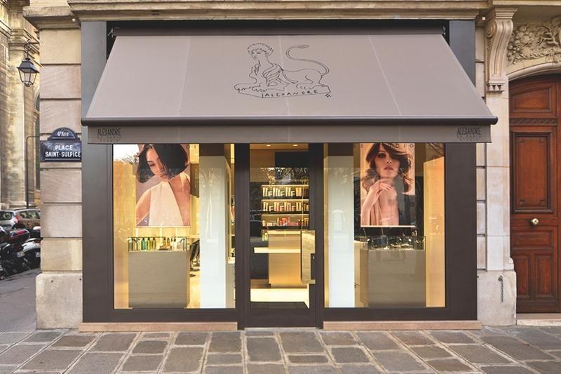 Alexandre de Paris Studio, salon de coiffure premium aux